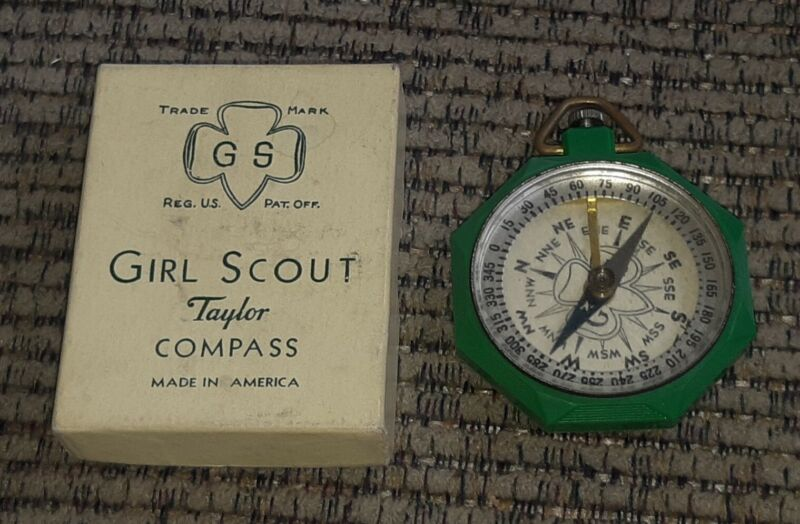 1940s Official Girl Scout Bakelite Green Compass MADE IN AMERICA W ORIGINAL BOX
