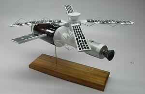 Skylab-Space-Station-Spacecraft-Desktop-Wood-Model-Big-New