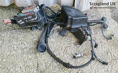 PEUGEOT 206 2.0 HDi Diesel 1998-2010 Fuse Box and Loom - Under Bonnet
