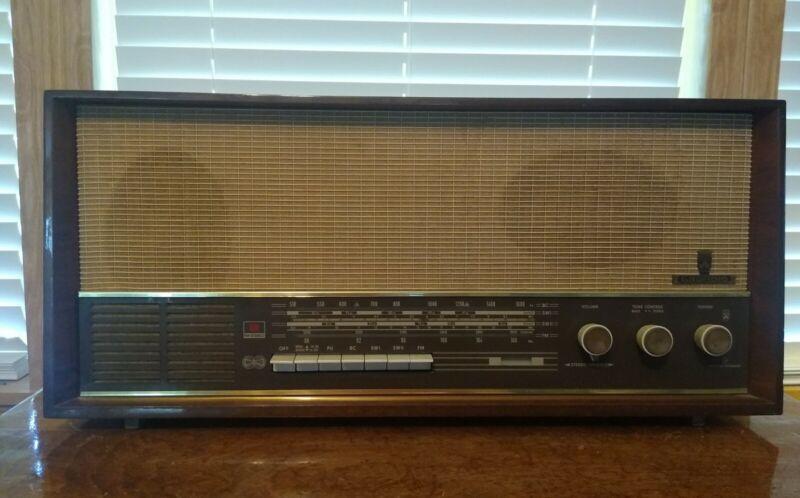 Vintage Rare Grundig Model 4570U Stereo AM/FM/SW Table Top Radio Germany Working