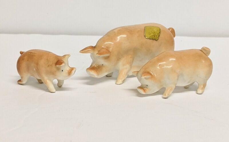 LOT OF 3 MINIATURE PIG FIGURINE VINTAGE JAPAN CERAMIC FARM ANIMAL  MINI