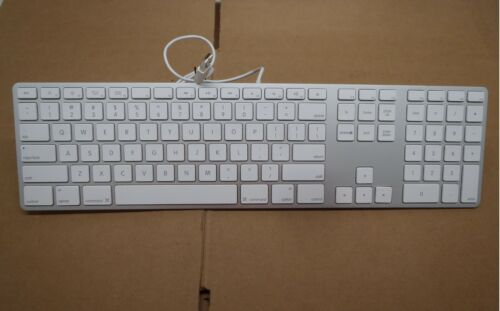 Apple A1243 Wired USB Slim Aluminum White Full Size Computer Keyboard