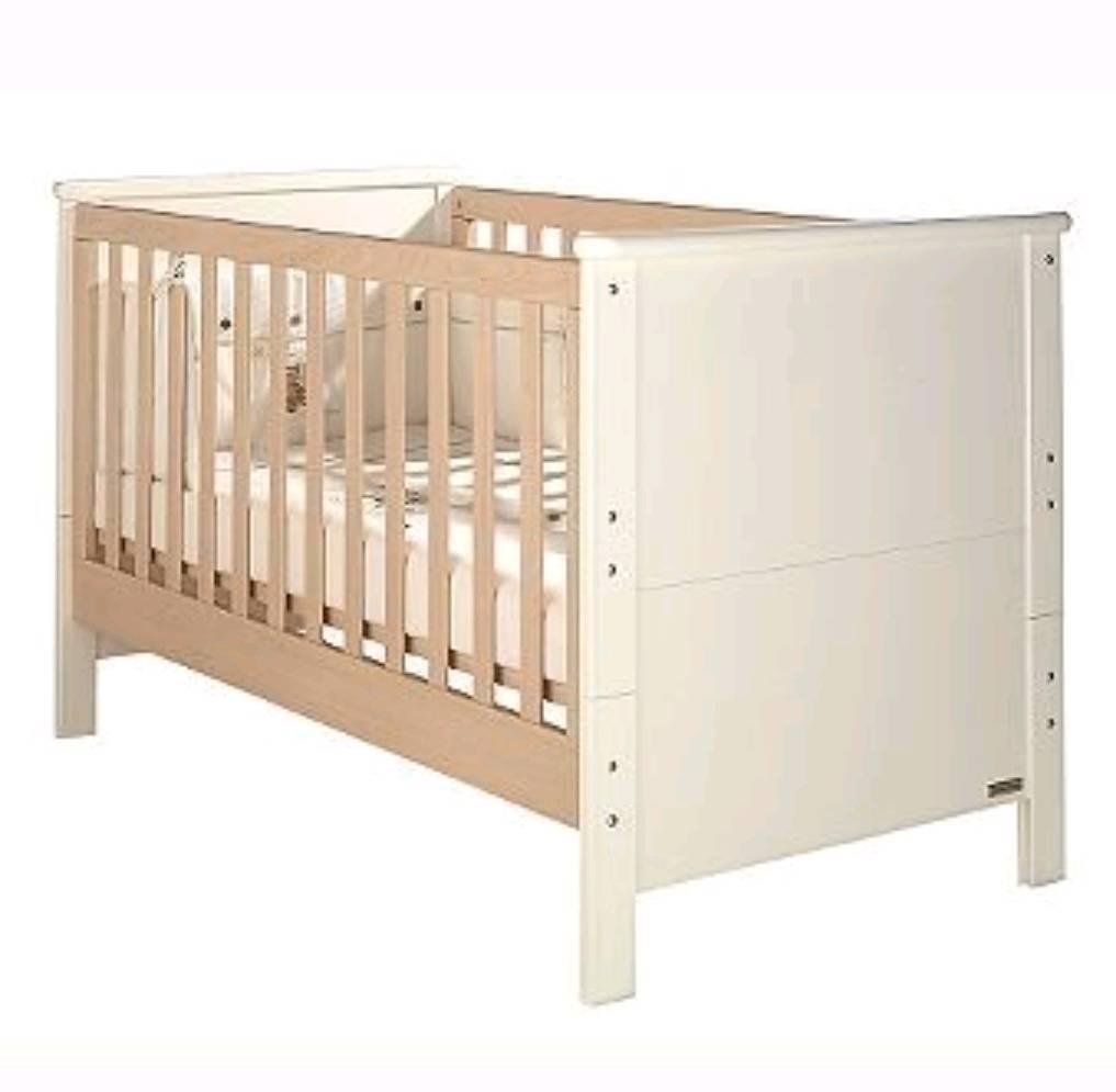 Mamas and Papas Murano Cot Bed