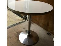NICE & STYLISH KITCHEN ROUND TABLE - QUICK SALE - £25 ONO