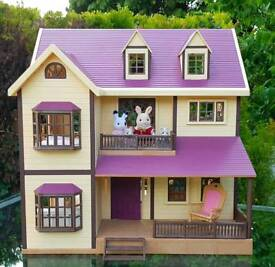 Sylvanian families house and lots of furniture