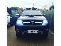 Toyota hilux invincible 3.0 d4d lots of extras !!
