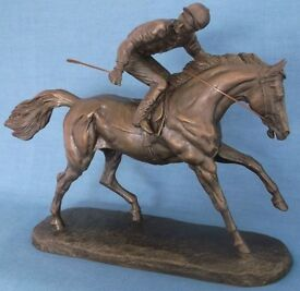 Heredities Rare cold cast bronze by david geenty horse racing great condition christmas present