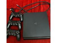 Ps4 slim 500gb, 3 controllers, 3games