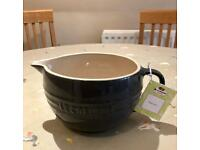 Le Creuset mixing jug