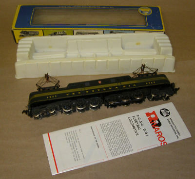 Rivarossi/AHM HO Scale GG-1 P.R.R Brunswick Green 5 Stripe electric Locomotive.