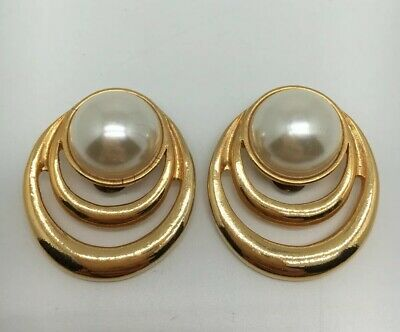 VINTAGE SHOE CLIPS PEARL WITH GOLD TONE BORDER BY SG D'OR PAT (1663) Pearl Shoe Clips