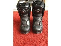 Vans women's snowboard boots uk size 6 and pads