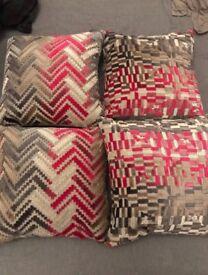 Cushions x4