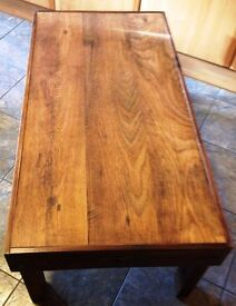 BROWN WOODEN COFFEE TABLE Length 44 inches x Width 22 inches x Height 16 inches