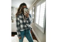 Unisex Winter Very Warm Grey/Whte Polar Fleece Zip Neck Sweatshirt Size women 12/14 Medium
