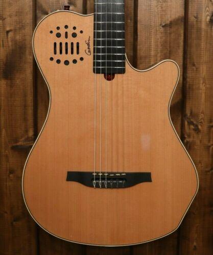 Godin Grand Concert SA Acoustic-Electric Guitar  Natural 2102