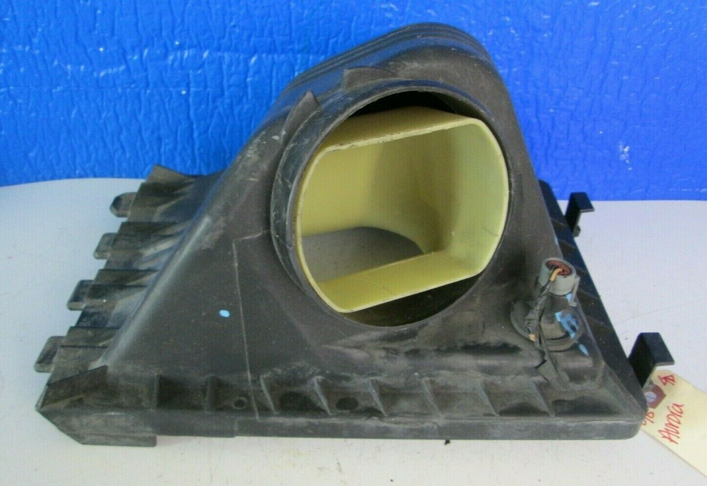 Used Oldsmobile Air Cleaner Assemblies for Sale
