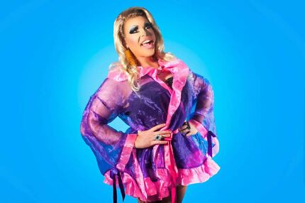 Vollie LaVont (DRAG QUEEN / HOST / MC)