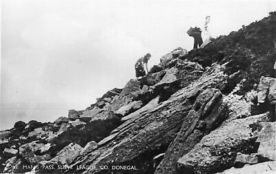 ONE MAN'S PASS SLIEVE LEAGUE CO DONEGAL IRELAND RP IRISH POSTCARD by S R BUTLER