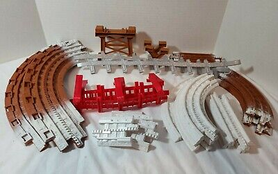 Fisher Price GeoTrax Train Complete Set Tacks Christmas In Toy Town Snow Support