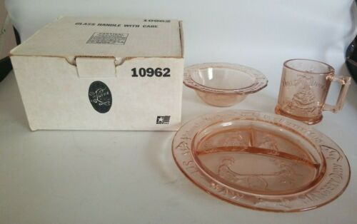 Vintage MARGERY DAW Childs Nursery Rhyme Pink Depression Glass Dish Set in Box