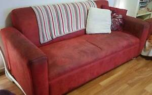 3 Seater couch *GIVEAWAY* Munno Para Playford Area Preview
