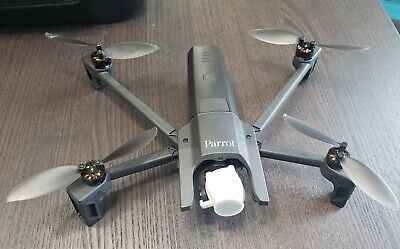 Parrot ANAFI 4K Quadcopter with Tramontane Controller - Black (PF728000)