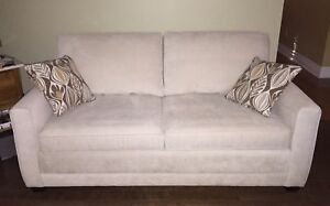 Sofa bed / pull out couch