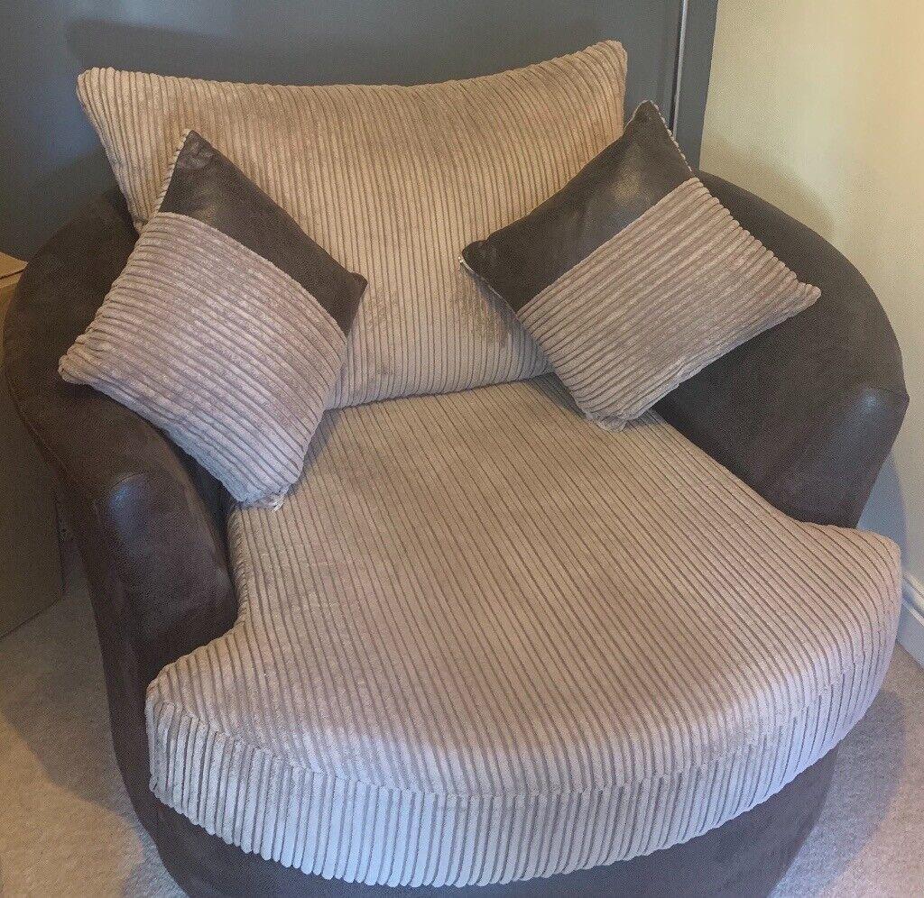 Pleasing Swivel Cuddle Chair In Swindon Wiltshire Gumtree Cjindustries Chair Design For Home Cjindustriesco