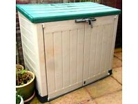 Keter Store It Out Garden Storage Unit (Knowledge of how to take apart is required)