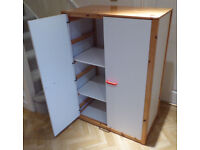 Children's Wardrobe – Wood frame with double white doors