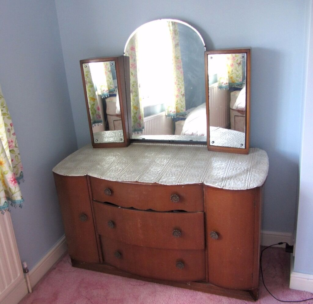 oak veneer vintage wardrobe dressing table chest of drawers with mirror advance furniture. Black Bedroom Furniture Sets. Home Design Ideas