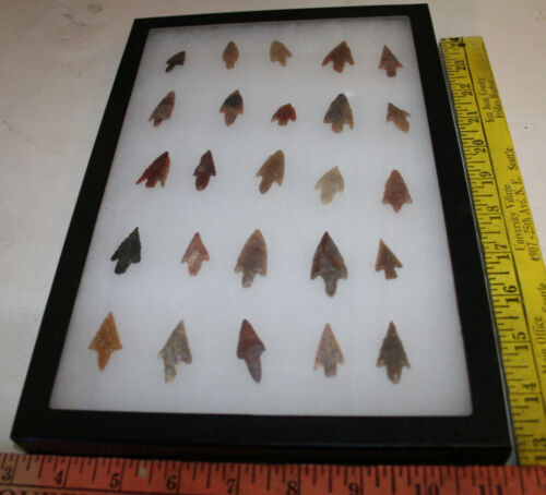 AUTHENTIC SAHARAN NEOLITHIC ARROWHEADS Small  25 pc GROUP #3