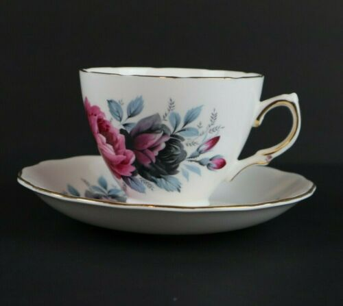 Colclough Gold Rim Teacup and Saucer Set Ridgway Pottery Made in England