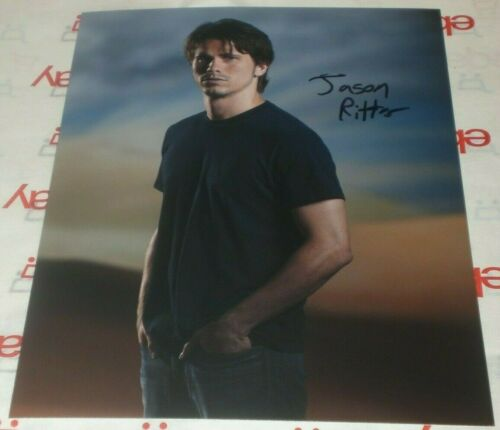 JASON RITTER SIGNED SERIOUS STUD 8X10 PHOTO AUTOGRAPH COA FREDDY VS SUPERSTORE