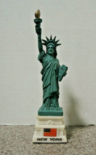Statue of Liberty Resin Figure on Flag/New York Base   6