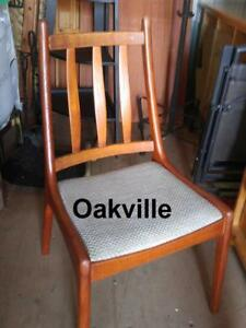 Oakville MID-CENTURY JENSEN DINING CHAIRS Set 4 Scandinavian Design Teak Excellent MCM Danish Modern Solid Wood