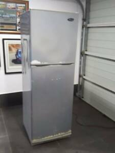 Second hand fridge freezer 330 litres Taren Point Sutherland Area Preview