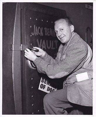 JACK BENNY Original CANDID Bank Vault Vintage 1950s TV Studio Photo