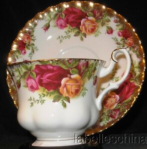 Royal Albert Old Country Roses England Tea Cup and Saucer Duo Fancy Gold Teacup