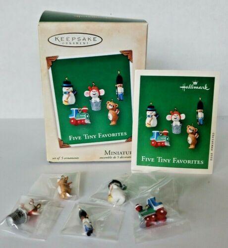2002 Hallmark Miniature Ornament New in box  Five Tiny Favorites in box U19