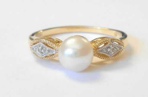 Vintage 6 mm Cultured Pearl & Diamond 14K Yellow Gold Ladies Ring Size 7.25