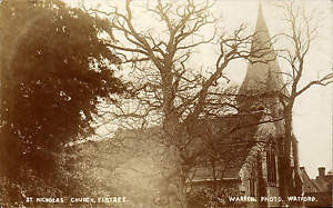 Elstree-St-Nicholas-Church-by-Warren-Photo-Watford