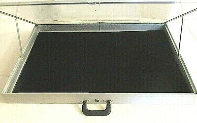 Allstate Mfg Co Aluminum Display Case 22 X 34 X 3-14 W Velvet Pad Linerkey