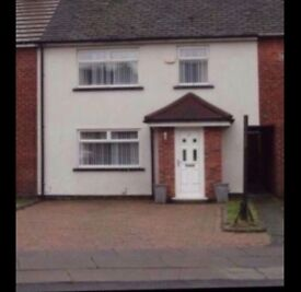 Lovely 3 bed town house for rent.-Bootle. Immediate availability