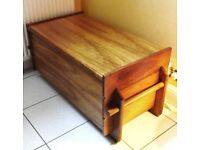 SOLID WOOD LARGE WOODEN CHEST TRUNK BLANKET BOX STORAGE OTTOMAN VINTAGE
