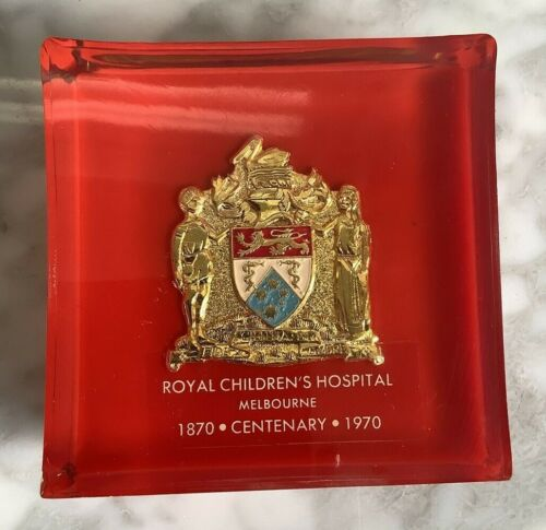 Acrylic paperweight Royal Children