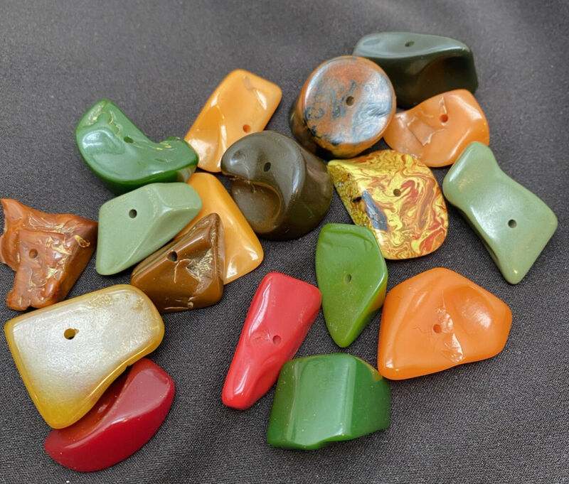 Chunky Bakelite Multi Colored Lot 60 Grams 18 Pieces!!