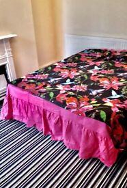 Double bedroom in prime location