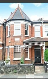 Lovely 2 Bedroom Victorian Conversion heart of Palmers Green